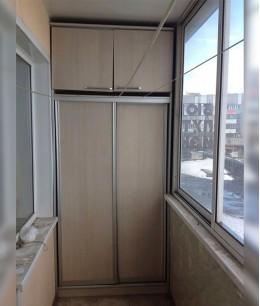 Двери в шкаф-купе на балкон
