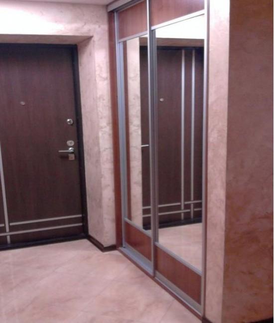 Двери-купе в коридоре