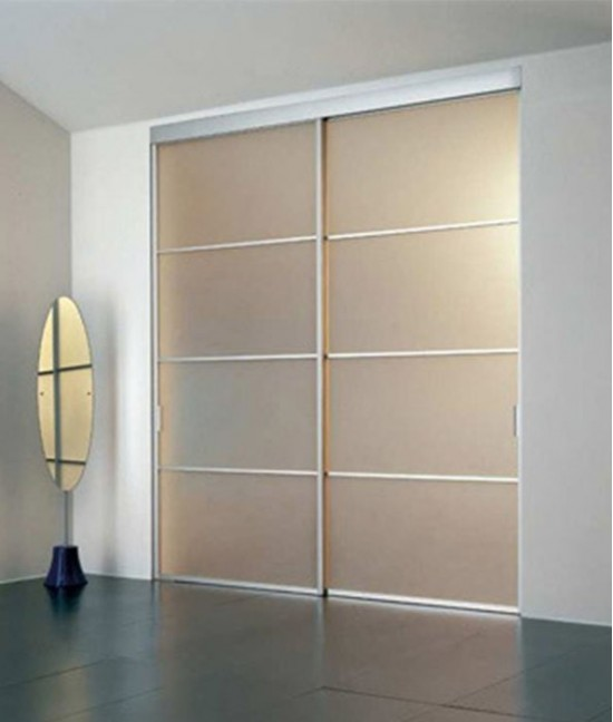 Двери для встроенного шкафа из матового стекла