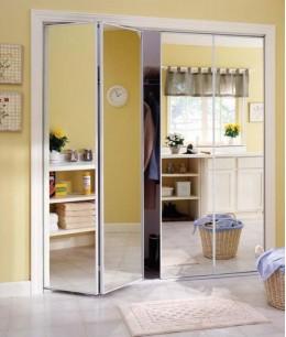 Раздвижные межкомнатные двери книжка с зеркалом