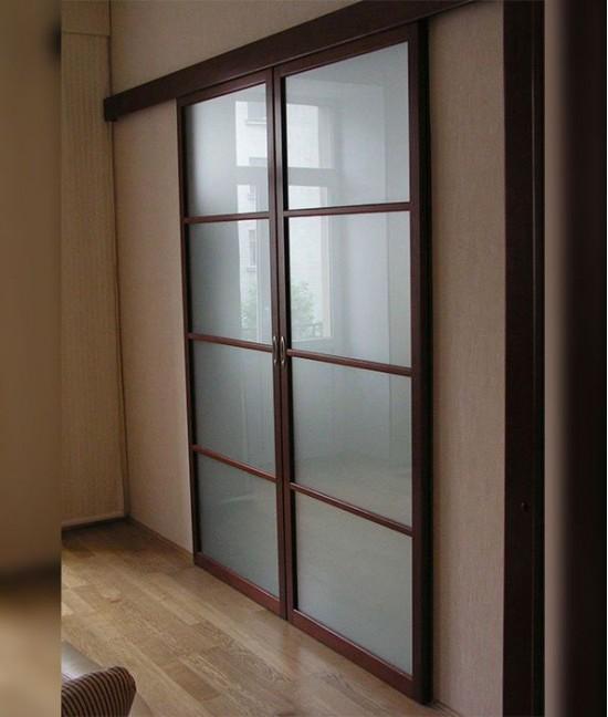 Нижнеопорную систему раздвижных дверей