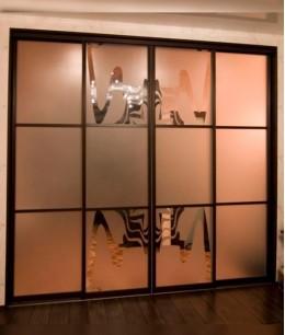 Раздвижные двери с пескоструйным рисунком