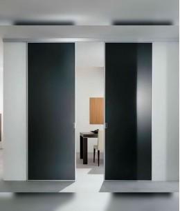 Высокие раздвижные межкомнатные двери