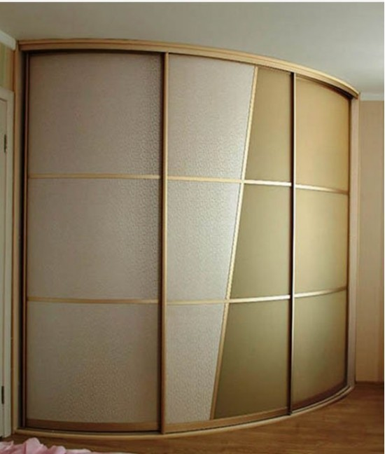 Три (3) радиусные двери
