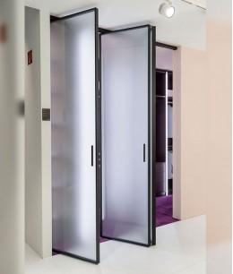 Стеклянные складные двери межкомнатные