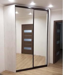 Шкаф купе угловой с зеркалом
